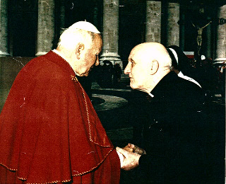 Fr. Eamonn Magrath meets Pope John Paul II on 17th May 1995, in the year of his Golden Jubilee of his Priesthood
